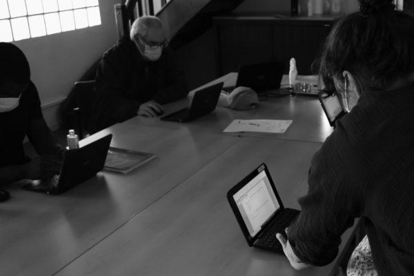 Usagers en Atelier numérique